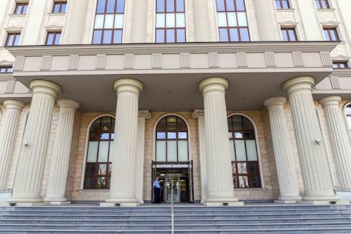 СКАНДАЛ: Судиите ги суспендираат сите предмети против политичарите